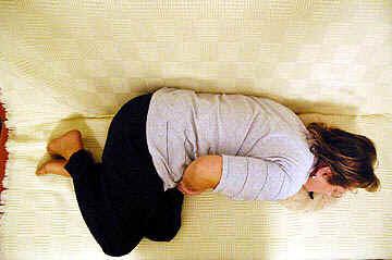 sintomas de dor abdominal