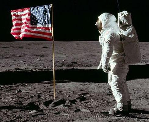 A conquista do espaço ocorreu gradativamente, desde o primeiro soviético até o último estadunidense