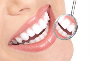 Como é colocado o aparelho dentário