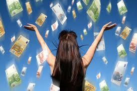 Mulher com sorte e dinheiro