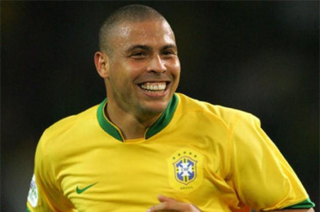 Ronaldo Fenômeno com ao uniforme da seleção brasileira. (foto: reprodução)