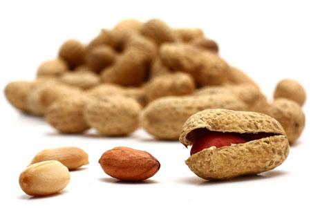 O amendoim pode trazer muitos benefícios, como o emagrecimento e a melhora da pele