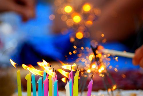Os aniversários surpresas proporcionam momentos muito felizes