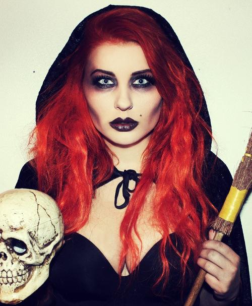 Você sempre poderá ousar da criatividade na hora de se maquiar como uma bruxa