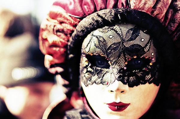 O carnaval é uma linda festa pagã.