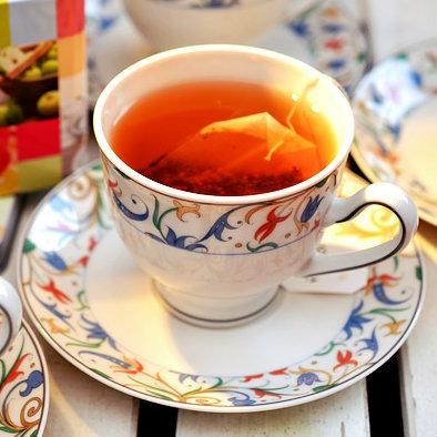 O chá traz inúmeros benefícios à saúde.