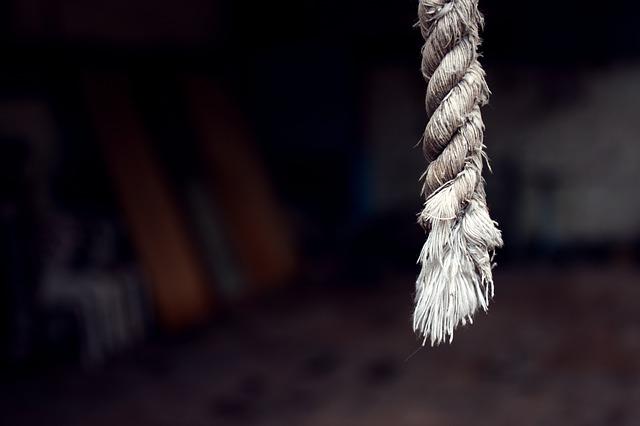 Pular corda pode emagrecer até 4 kg em 15 dias