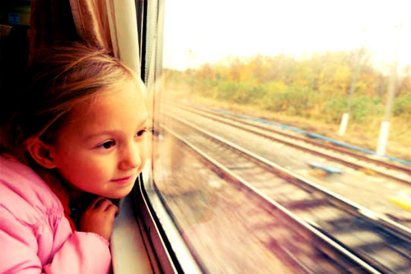 Crianças com idade superior a 12 anos podem viajar sozinhas