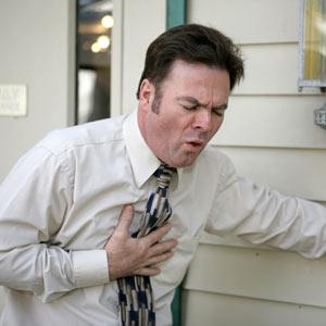As dores no peito podem ser causadas por problemas simples como gases e até complexos como o infarto.