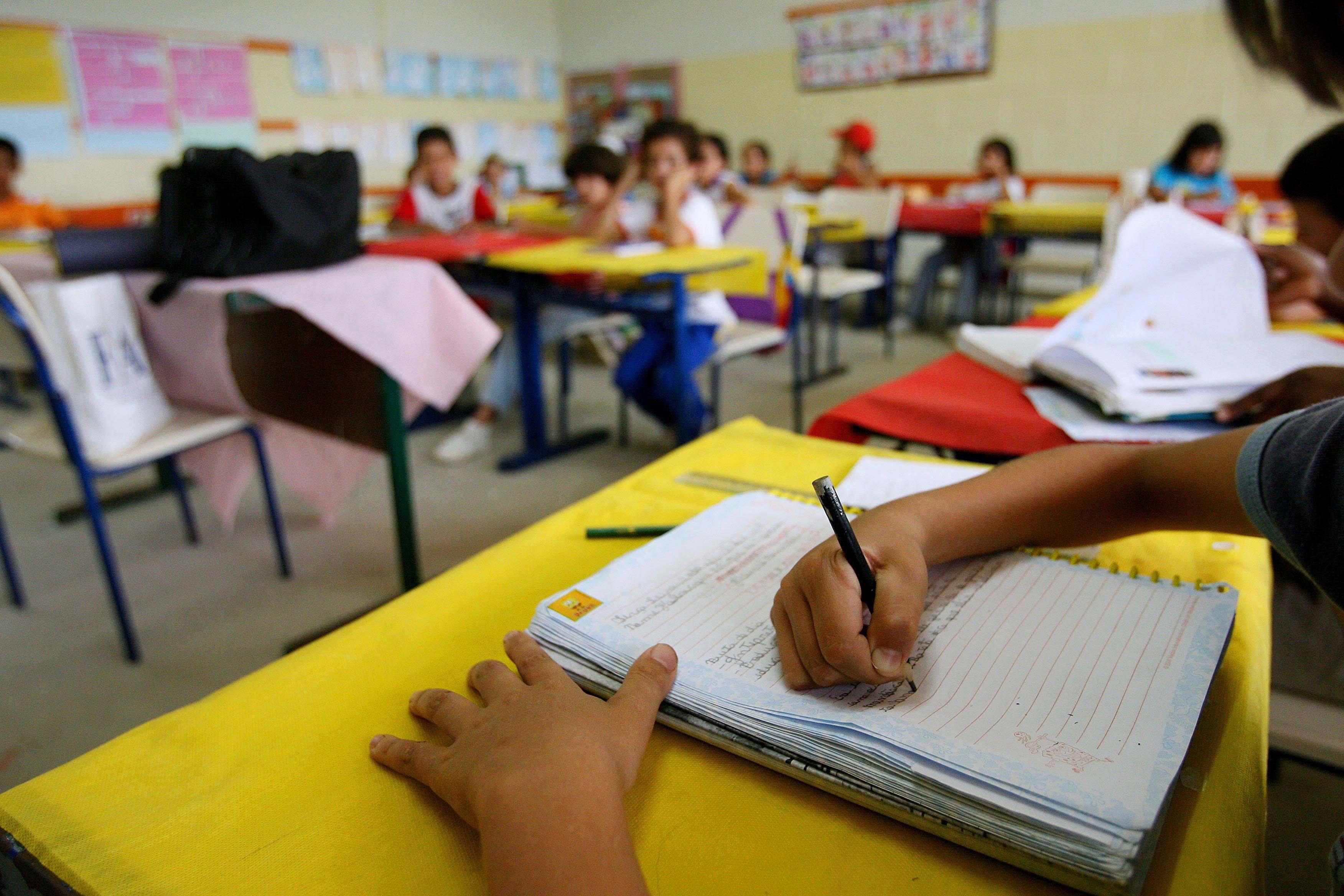 A educação certamente é a resposta para os problemas sociais.