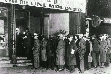 Fila de desempregado dos Estados Unidos (foto: reprodução)