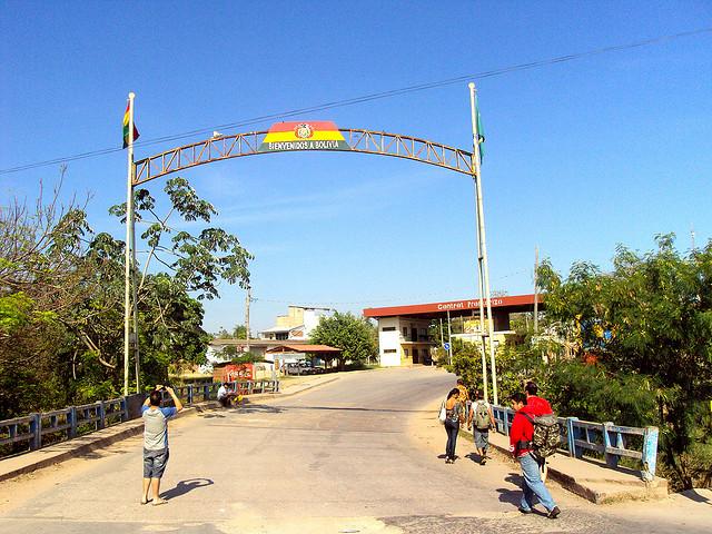 Fronteira Brasil e Bolívia em Puerto Quijarro