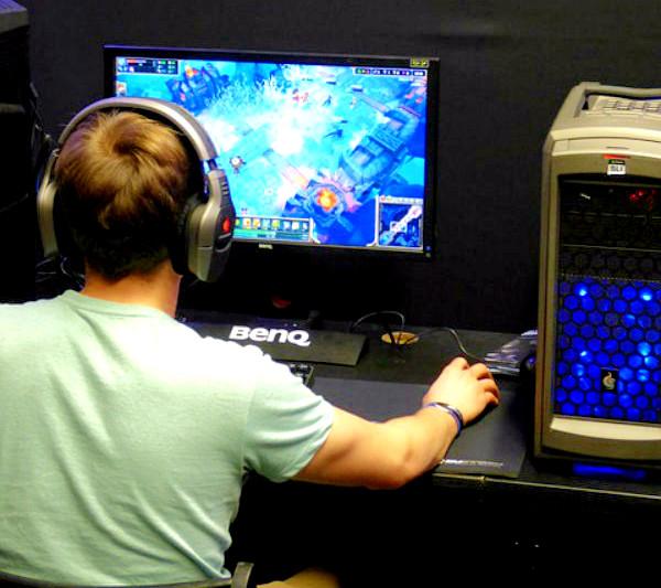 Os jogos online garantem muitas horas de diversão com os amigos.