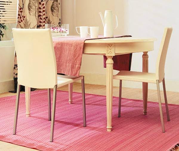A cor rosa claro é bonita para kitnets femininas e delicadas