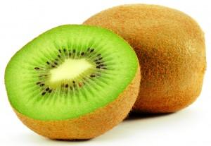 O kiwi é uma saborosa fruta, usada principalmente no preparo de sucos, doces e saladas