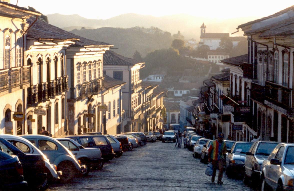 Ladeira tortuosa na atual Ouro Preto - MG (foto: reprodução)