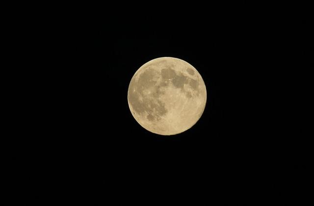 É possível ouvir som na lua?