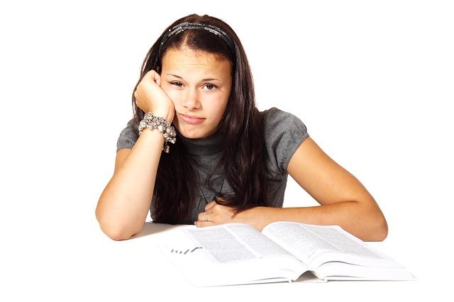 A distração nos estudos deve ser rebatida tomando os cuidados certos.