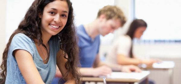 O vestibular é parte necessária do processo para entrada na universidade.