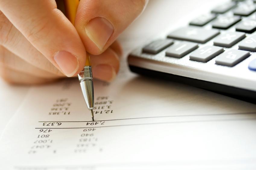 Organizar o orçamento mensal é importante para se ter uma melhoria da vida