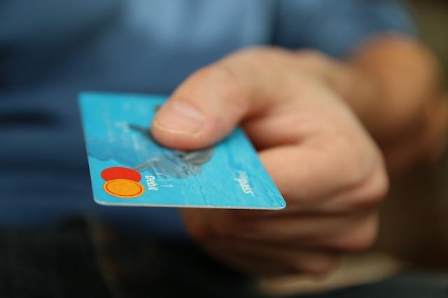 Pagar boleto com cartões de crédito.