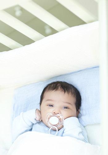 É muito importante que o bebê esteja bem amparado com o seu berço.