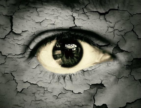 Os olhos são as áreas mais sensíveis do corpo.