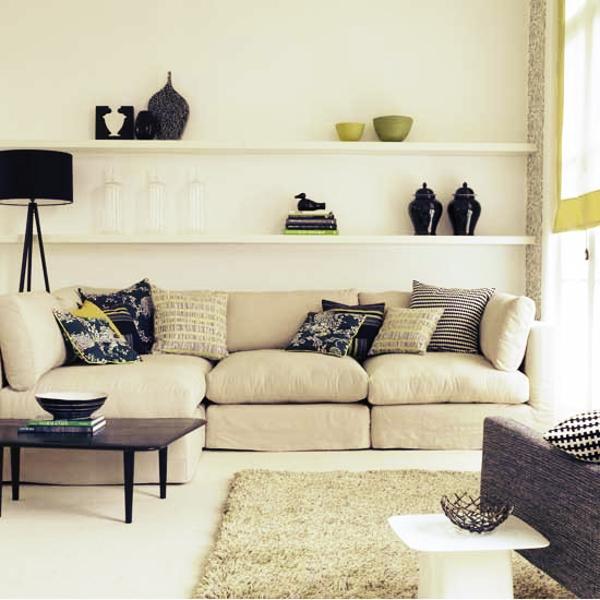 Utilizar móveis claros dá a sensação de maior espaço ao lugar