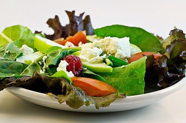 Folhosos são importantes durante a dieta.