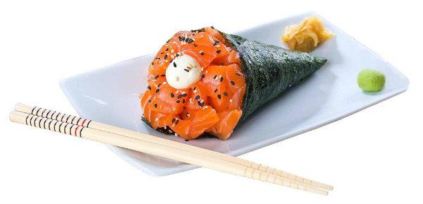 O temaki é uma deliciosa comida japonesa.