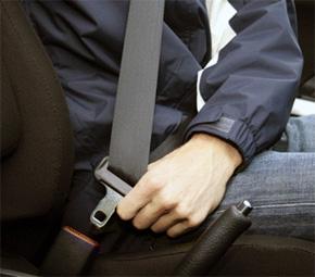 Para economizar e manter sua família segura, use o cinto de segurança!
