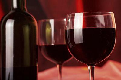 O Vinho do Porto deve ser apreciado e degustado em um período longo de tempo